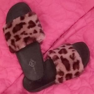 😻 LEOPARD FAUX FUR Sandals Slides SUPER Soft